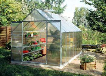 Magnum 148 14x8 double-door model Greenhouse