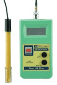Milwaukee pH hand meter SM100