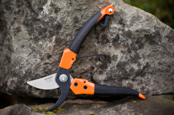 "Ergonomic Professional 8"" Pruner"