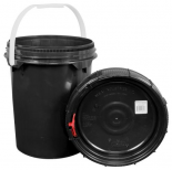 744397 Harvest Keeper Odor Lock 5 Gal Black Bucket w/ Lid